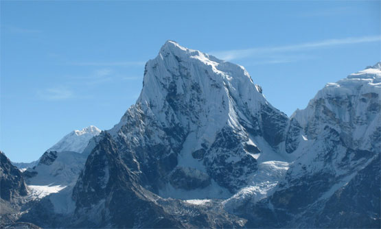 Mt.Cholatse Peak Climbing 28 Day.