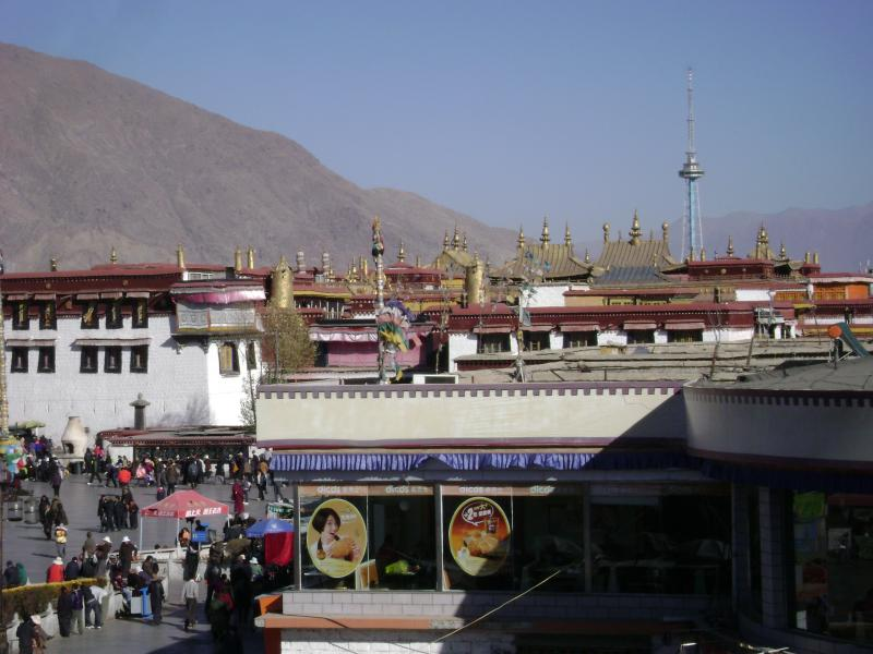 Lhasa Everest tour by flight 10 day.